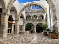 Patmos-Johannes-klooster-kerk-600