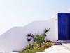 alonnisos-wittemuur-blauwedeur-griekenland-600