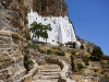 Amorgos-Chozoviotissa-klooster-rotsen-600