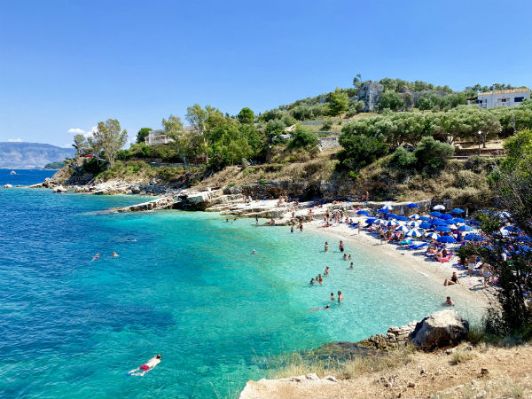 Corfu-kassiiopi-strand-zeewater-600