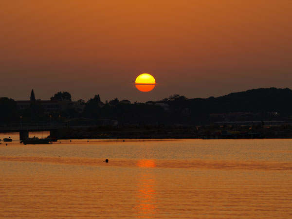 corfu-astrakeri-zonsondergang-griekenland-600