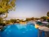 elea-village-hotel-acrotel-uitzicht-zwembad-600