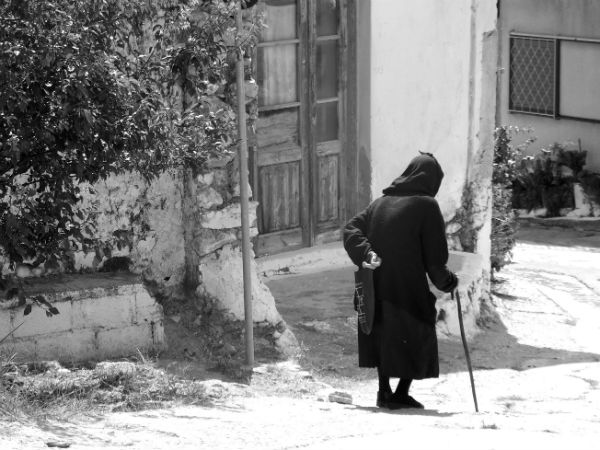 Kreta-Males-oud-dametje-600