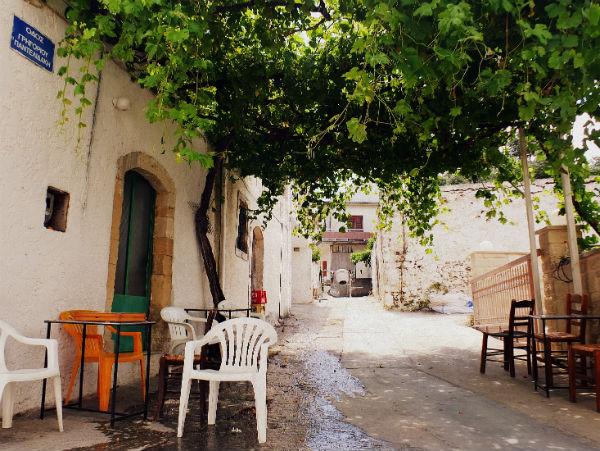 Kreta-Roustika-straat-600