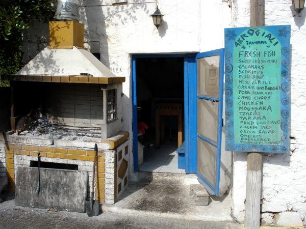 Kreta-traditionele-taveerne-600