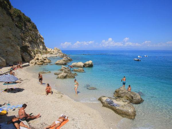 Lefkas-Agios-Nikitas-beach-600