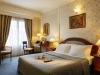 Mediterranean-Palace-Hotel-Thessaloniki-hotelkamer-bedden-600