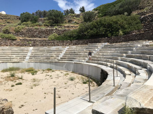 Milos-vakantie-amfi-theater-600