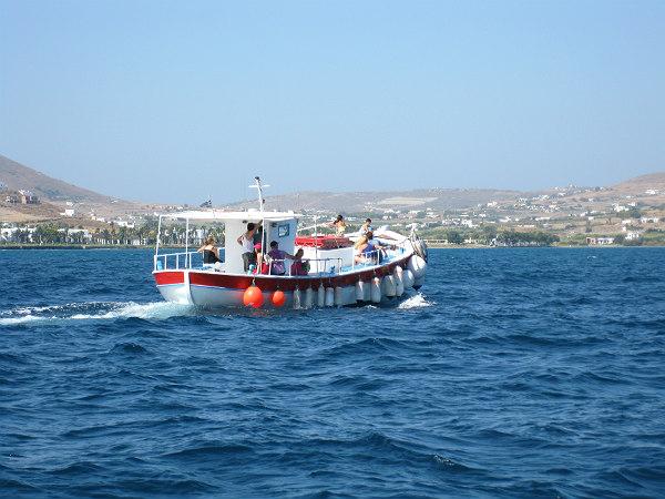 Paros-vissersboot-op-zee-600