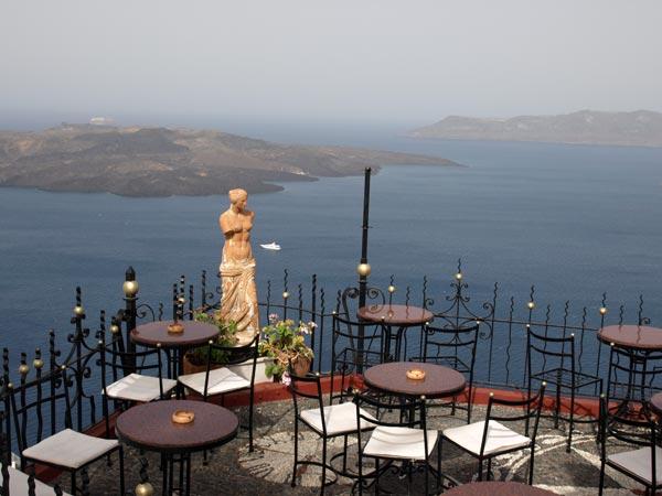 santorini-fira-kamenibar-uitzicht-griekenland