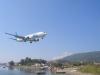 Skiathos-vliegtuig-landen-600