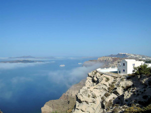 Griekse eilanden klimaat en weer met mist op Santorini