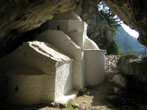 Kerkje in grot bij Marathokambos