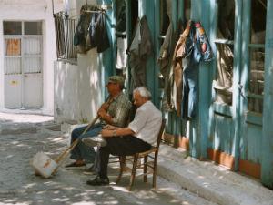 Oude Grieken in discussie op Samothraki
