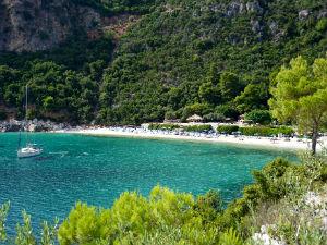 Limnonari baai en strand op Skopelos