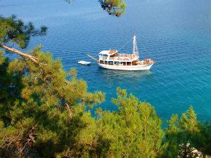 Thassos vakantie boot en zee
