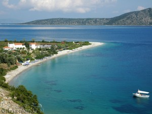 Alonissos het strand van Agios Dimitrios in Griekenland