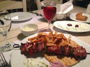 Griekse gerechten in Grieks restaurant