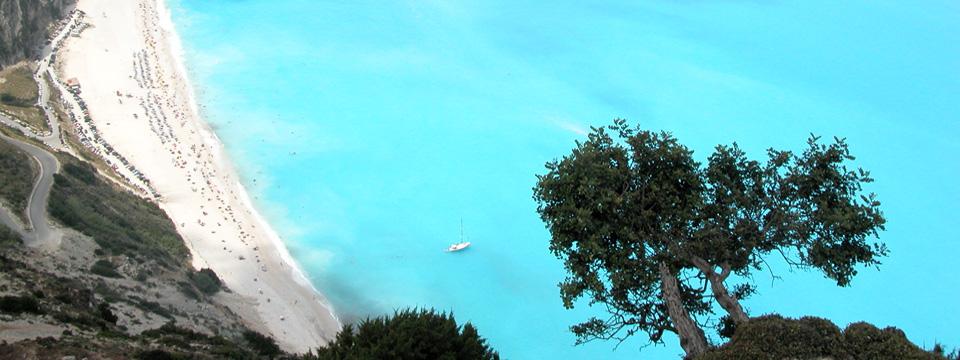 Kefalonia vakantie Myrtos beach uitzicht header.jpg