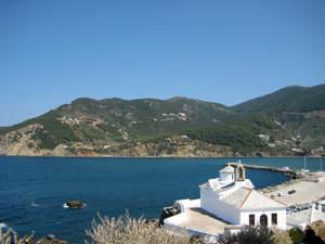 Skopelos kerkje aan zee