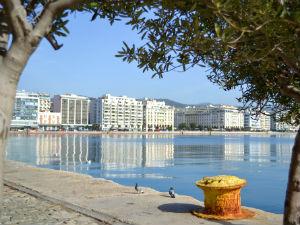 Boulevard en haven van Thessaloniki