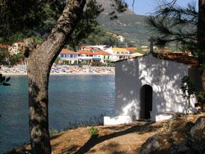 De fraaie en gezellige badplaats Parga in Epirus.