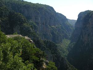De Vikos kloof is de diepste ter wereld in Epirus.
