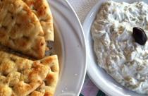 Grieks eten tzatziki met pita