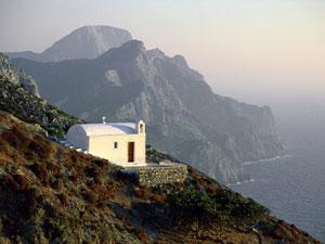 Kerkje op Karpathos met mooi uitzicht