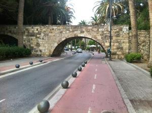 Fietspad in Kos-stad bij Neratzia brug