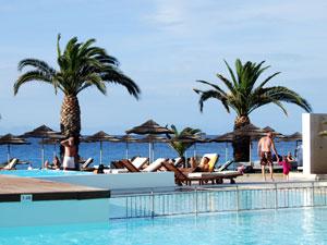 Rhodos-vakantie-Ixia-hotel-zwembad-300