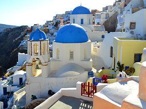 Oia Santorini vakantie blauwe koepelkerk