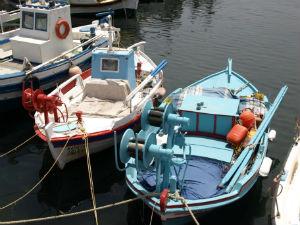 Vissersbootjes bij Monolithos