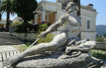 Achilles beeld bij Achilleion