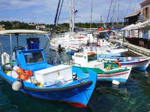 Fiskardo vissersboten in de haven
