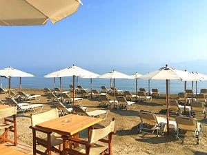 Het strand van Roda op Corfu Griekenland