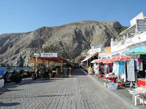 Boulevard van Kamari op Santorini