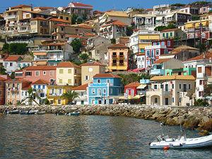 Parga kleurrijke huizen en boulevard tijdens vakantie