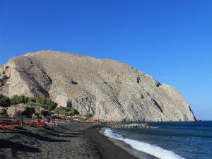 Perissa beach op Santorini