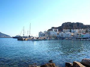 Karpathos stad de haven van Pigadia