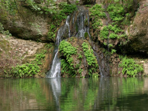 Waterval in de vlindervallei Petoulades