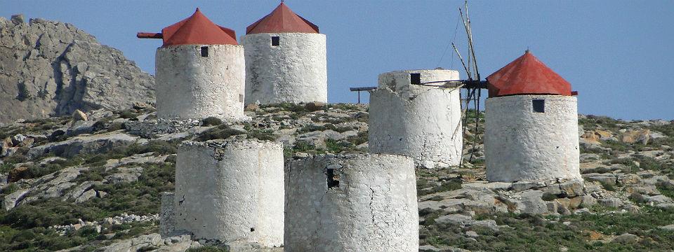 Amorgos vakantie Chora windmolens header.jpg