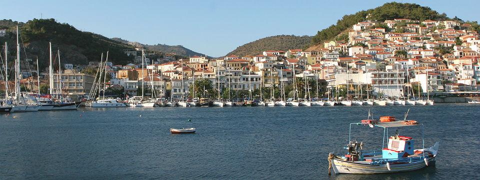 Lesbos vakantie plomari haven vissersboot header.jpg