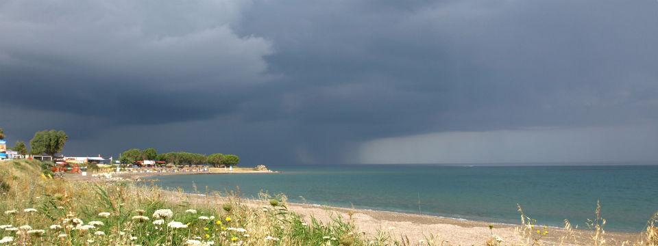 Rhodos vakantie klimaat en weer regenbui header.jpg
