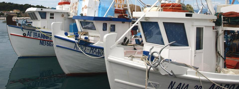 Evia vakantie Pefki vissersboten header.jpg