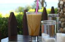 Met een Turkse koffie op een Grieks terras