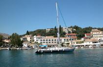 Zeilen rond de Ionische eilanden in Griekenland