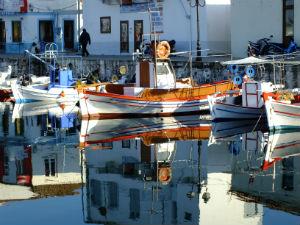 Vissersbootjes in de haven van Myrina op Limnos