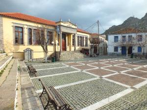 Plati dorp Limnos school en taverna