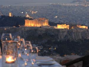 Uitzicht vanaf Orizontes restaurant Lycabettus hill Athene